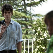 Un castello in Italia: Louis Garrel in una scena