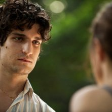 Un castello in Italia: Louis Garrel in una scena del film