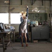 Una piccola impresa meridionale: Barbora Bobulova si scatena in una scena del film
