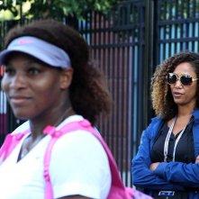 Venus and Serena: Serena Williams con Michelle Major in una scena del documentario