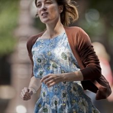 A Castle in Italy: la regista e interprete Valeria Bruni Tedeschi corre in una scena del film
