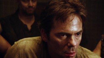 Revolution: Billy Burke in una scena dell'episodio There Will Be Blood