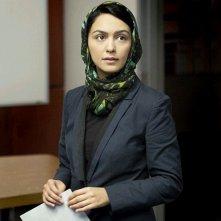 Homeland: Nazanin Boniadi in una scena dell'episodio Uh... Oh... Ah...