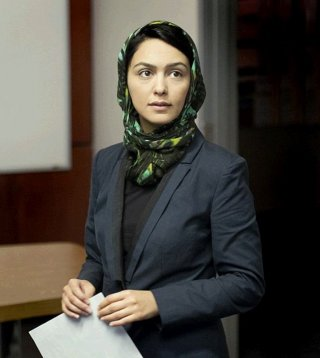 Homeland: Nazanin Boniadi in una scena dell'episodio Uh... Oh... Ah...
