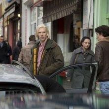 Il Quinto Ptere: Benedict Cumberbatch è Julian Assange in una scena del film