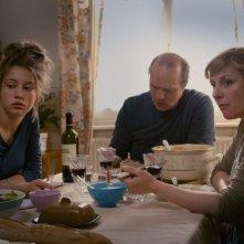 La vita di Adele: Adèle Exarchopoulos in una scena con Aurélien Recoing e Catherine Salée