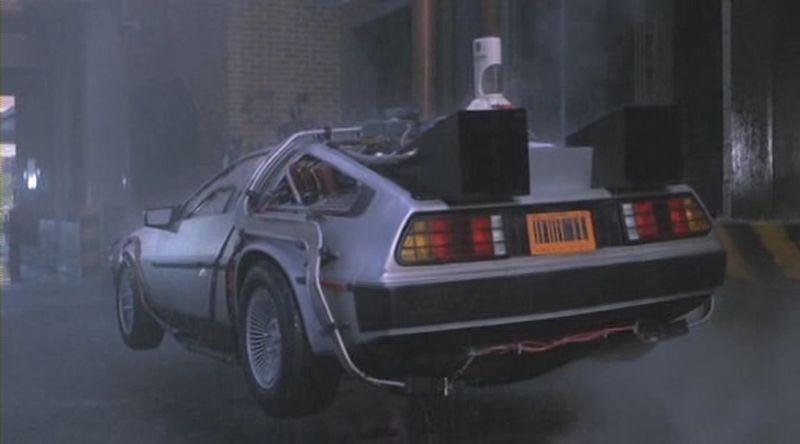 Ritorno al futuro Parte II: la 'macchina del tempo' in una scena del film