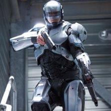 Robocop: Joel Kinnaman in una scena del remake diretto da José Padilha