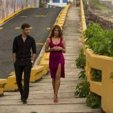 Runner Runner: Justin Timberlake insieme ad una conturbante Gemma Arterton in una scena del film