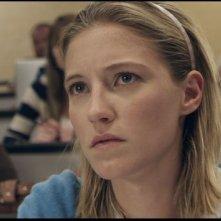 Smiley: Caitlin Gerard in una scena nei panni di Ashley