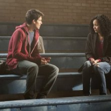 The Tomorrow People: Robbie Amell e Madeleine Mantock in una scena del pilot della serie