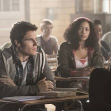 The Tomorrow People: Robbie Amell e Madeleine Mantock nel pilot della serie