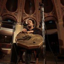 Enzo Avitabile Music Life: il musicista Enzo Avitabile in una scena del documentario