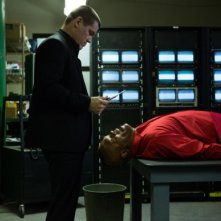 Old Boy: Josh Brolin minaccia con un coltello Samuel L. Jackson