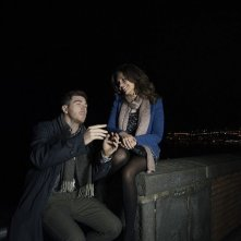 Song'e Napule: Alessandro Roja con Serena Rossi in una scena