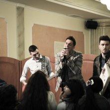 Song'e Napule: Giampaolo Morelli, Ciro Petrone e Alessandro Roja in una scena del film