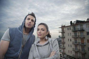 Song'e Napule: Giampaolo Morelli e Serena Rossi in una foto promozionale