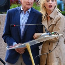 The Crazy Ones: Sarah Michelle Gellar e Robin Williams nell'episodio The Spectacular