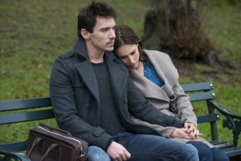 Another Me: Jonathan Rhys Meyers in una scena del film con Claire Forlani