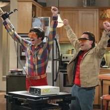 The Big Bang Theory: Johnny Galecki e Simon Helberg nell'episodio The Workplace Proximity