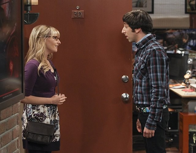 The Big Bang Theory Melissa Rauch E Simon Helberg Nell Episodio The Workplace Proximity 289052