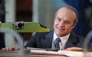 Adriano Olivetti: La forza di un sogno: Luca Zingaretti in una scena della fiction