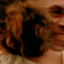 L'ultima foglia: Fabrizio Ferracane sorride in una scena del film