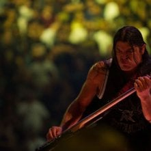 Metallica Through the Never: il bassista Robert Trujillo in una scena