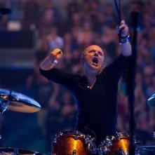 Metallica Through the Never: il batterista del gruppo Lars Ulrich in una scena