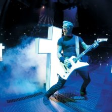Metallica Through the Never: James Hetfield in una scena del film concerto