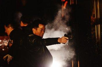 The White Storm: Louis Koo in una scena del film d'azione