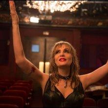 Venere in pelliccia: Emmanuelle Seigner in una scena
