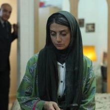 Acrid: Roya Javidnia in una scena del film con Ehsan Amani (fuori fuoco)