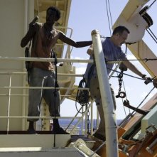 Captain Phillips - Attacco in mare aperto: Tom Hanks in una concitata scena del film