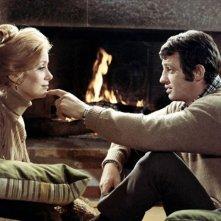 Catherine Deneuve e Jean-Paul Belmondo in una scena del film La mia droga si chiama Julie