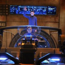 Ender's Game: Hailee Steinfeld con Asa Butterfield in una scena del film fantascientifico