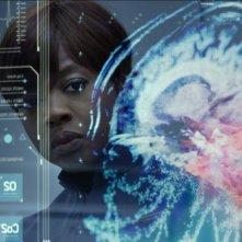 Ender's Game: Viola Davis in un bel primo piano riflesso tratto dal film
