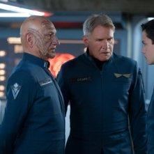 Il gioco di Ender: Ben Kingsley con Harrison Ford e Asa Butterfield in una scena