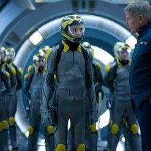 Il gioco di Ender: un minaccioso Harrison Ford con la recluta Asa Butterfield in una scena