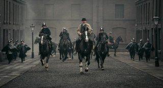 Peaky Blinders: Sam Neill in una scena della serie