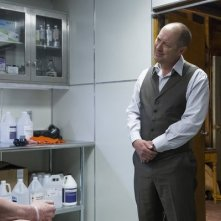 The Blacklist: James Spader e Tom Noonan nell'episodio The Stewmaker