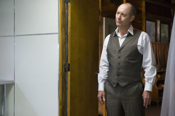 The Blacklist: James Spader nell'episodio The Stewmaker