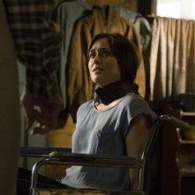 The Blacklist: Megan Boone in una scena dell'episodio The Stewmaker