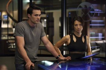 Agents of S.H.I.E.L.D.: Ming-Na Wen e Brett Dalton nell'episodio Girl in the Flower Dress