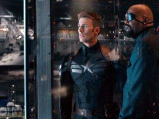 Captain America: The Winter Soldier: Chris Evans e Samuel L. Jackson in una scena del film