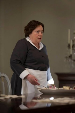 American Horror Story, Coven - Kathy Bates nell'episodio The Replacements