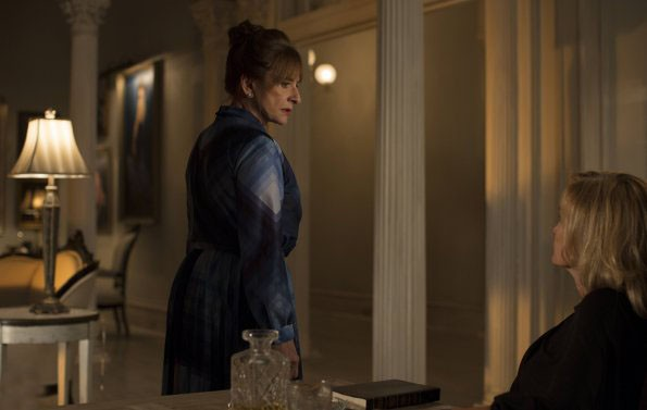 American Horror Story, Coven - Patti LuPone nell'episodio The Replacements