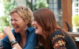Annette Bening e Julianne Moore nel film I ragazzi stanno bene.