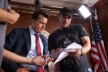 Charlie Sheen e Rober Rodriguez sul set del film Machete Kills
