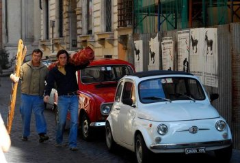 Elio Germano in una scena de L'ultima ruota del carro con Massimo Wertmüller